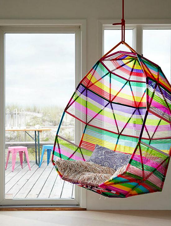 quand je suis tombe sur ces visuels sur plante dco je crois que mon coeur sest un peu emball surtout au vu de ce fauteuil suspendu color absolument - Fauteuil Colore