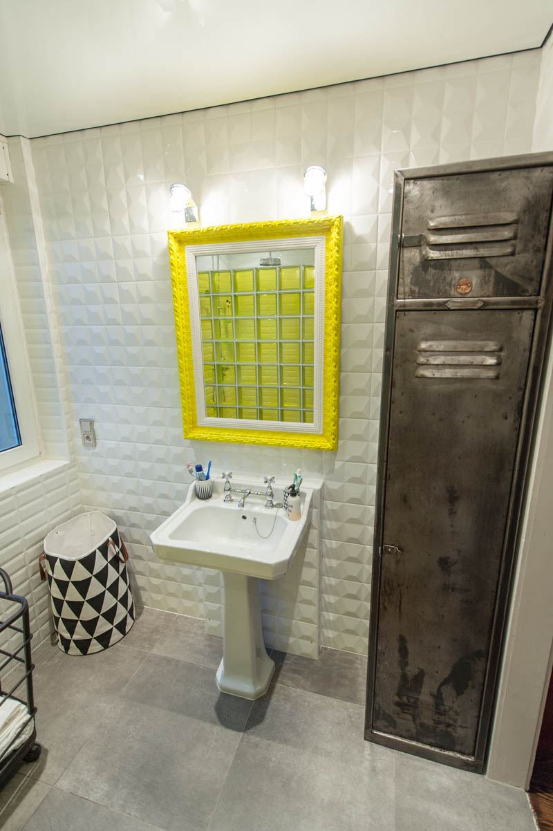 Our bathroom punky b blog mode for Carrelage metro salle de bain