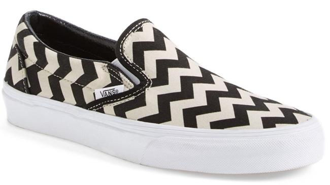 vans-zigzag-skater-shoes-slip-on-sneakers