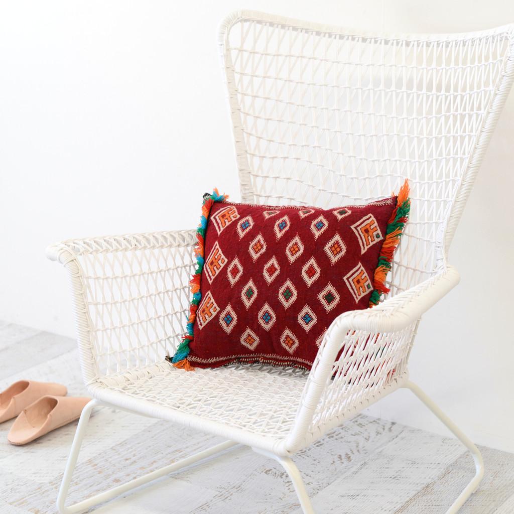 vintage_moroccan_berber_kilim_cushion_2_10289027-8fd3-4d72-a42f-d91fdd1be23c_1024x1024